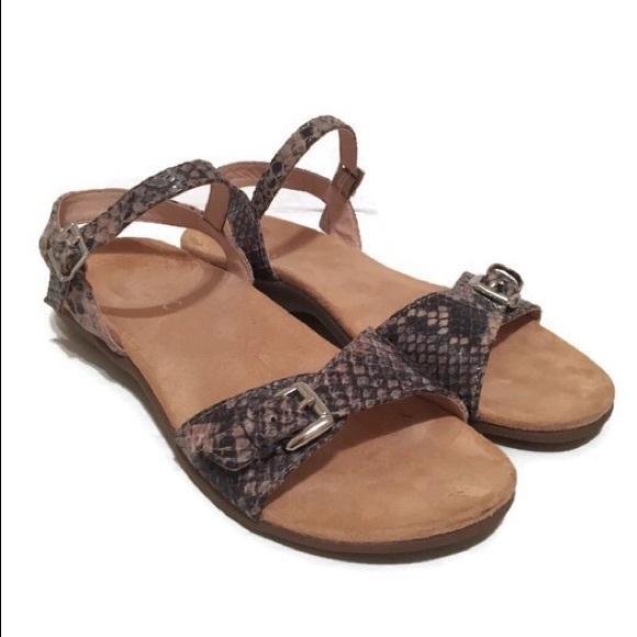 bff8b043eb57 Vionic Alita Women s Ankle Strap Sandal. M 5c564bfa3e0caaedb1825624